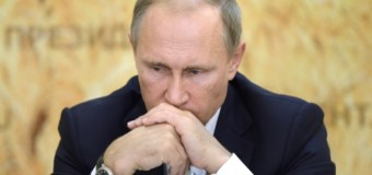Crollo petrolio e rublo sotto pressione