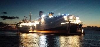 Nuova nave per Lampedusa, attracco con festa