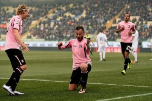Gilardino festeggia gol a Carpi