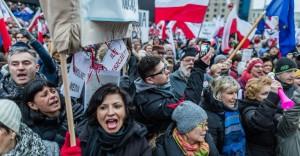 Proteste in Polonia contro i provvedimenti che limitano la libertà di stampa