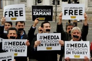 Manifestazione a favore della libertà di stampa in Turchia