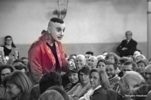 Ernesto Tomasini tra il pubblico del Biondo. Foto di angelo Macaluso