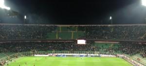 Curva nord con vuoti ultras, all'inizio del primo tempo di Palermo-Lazio. Dove sono andati?