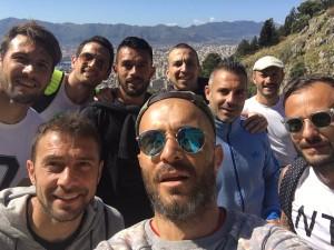 Stefano Sorrentino e i giocatori più rappresentativi del Palermo fanno l'acchianata a Monte Pellegrino da Santa Rosalia