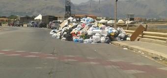 Bagheria sommersa dai rifiuti. Le responsabilità del sindaco Cinque (Stelle)