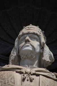 320px-Palazzo_Reale_di_Napoli_-_Ruggero_il_Normanno