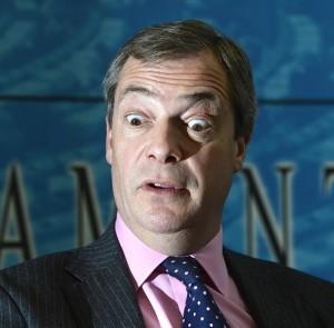 Farage guarda verso l'abisso? Forse è solo lo specchio.