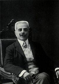 Giovanni Alfredo Cesareo fu uno dei primi autori a parlare di mafia a teatro