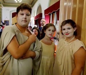 I fantasmini si preparano, per accompagnare gli spettatori nei meandri della Notte di Zucchero...