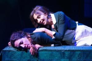 """Anna Bonaiuto (sopra), è """"Solange"""" e Manuela Mandracchia è """"Claire"""""""