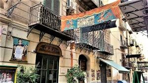 Via Bara all'Olivella Opera dei Pupi a Palermo. che ospiterà le rappresentazioni di Orlando Furioso. Foto di Giusi Andolina