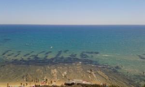 Il Canale di Sicilia dalle parti di Montalbano. Non tutti sanno che l'acqua non è calda come a Mondello. Specialmente in inverno.