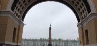 Protesta pacifica in Russia e brutale repressione su cittadini inermi