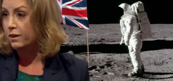 Brexit, UK government splashing with Mordaunt onto the moon