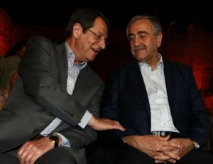 Cipro i due leader insieme_AFP_2