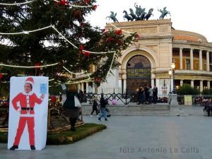 Babbo Natale al Politeama. Foto di Antonio La Colla