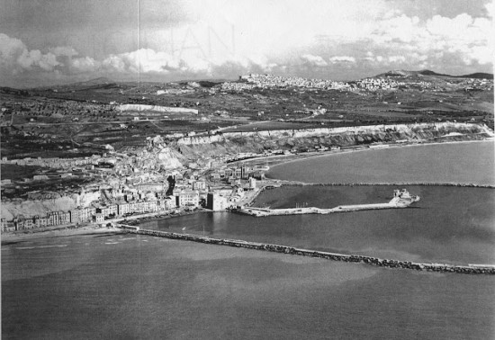 Porto Empedocle, terra di uno scrittore, nessuno e centomila...