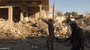 Effetti dei Effetti dei bombardamenti a Bazina. Foto tratta da Genocide in Syria