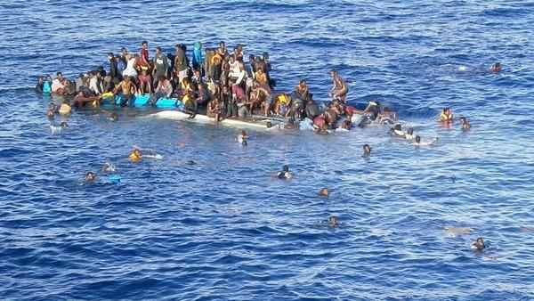 Migranti in dfficoltà nel Mediterraneo