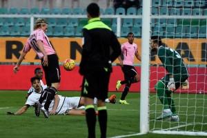 Hiljemark segna il 2-0 in Palermo-Udinese