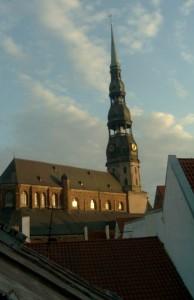 Chiesa di San Peter a Riga da Kaleju iela. Foto di Gabriele Bonafede