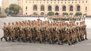 Truppe armene a Erevan