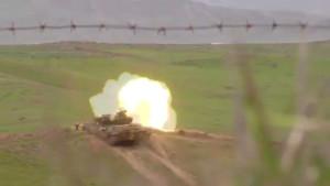Carro armato armeno in azione nei giorni scorsi