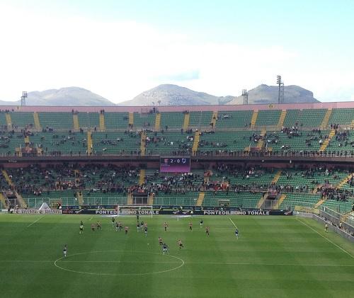 Palermo-Samp 2-0 cartellone risultato e campo