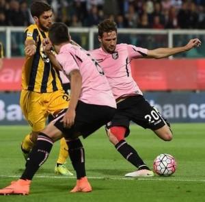 Franco Vazquesz segna l'1-0 in Palermo-Verona, trascinando la squadra alla salvezza e siglando probabilmente il suo ultimo gol nel con la maglia rosanero.