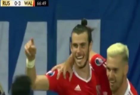 Russia Galles 0-3 Bale festeggia