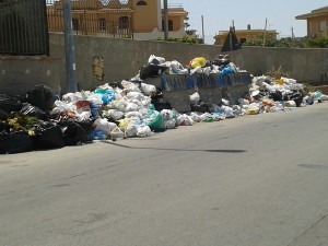 Bagheria sommersa dai rifiuti anche questa estate.