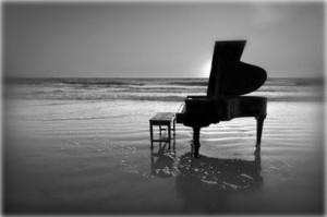 Almeno il pianoforte c'è...