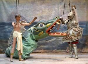 Al Museo della Marionette. Cn tanto di drago, Angelica e il Paladino Orlando. Altrimenti Palermo non è...