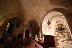 Non fermatevi alla superficie, ma approfondite: la Chiesa inferiore della Cappella Palatina. A volte i tesori sono nascosti, è d'uopo. Le Vie dei Tesori aiutano a scoprirli, per palermitani e non.