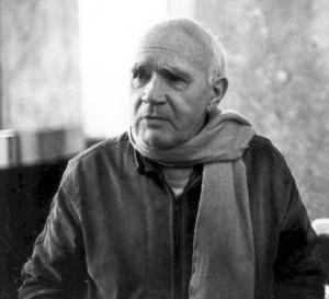 Jean Jenet nel 1983, foto tratta da Wikipedia. By International Progress Organization - http://i-p-o.org/genet.htm, CC BY-SA 3.0, https://commons.wikimedia.org/w/index.php?curid=8499473