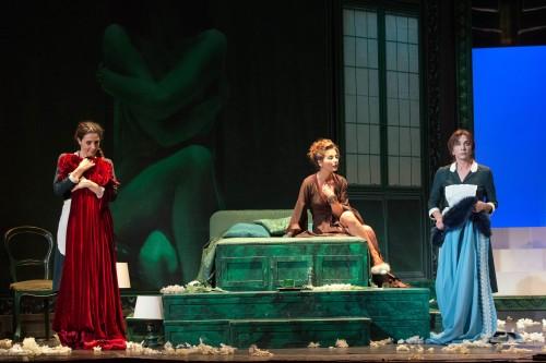 Recitare Genet: al Teatro Biondo di Palermo, Manuela Mandracchia, Vanessa Gravina e Anna Bonaiuto (da sinistra a destra nella foto di Chiara Quartararo)