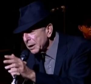 Leonard Cohen in concerto canta Hallelujah