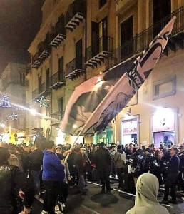 I tifosi del Palermo festeggiano l'arrivo di Corini quale allenatore del Palermo nel dicembre 2016