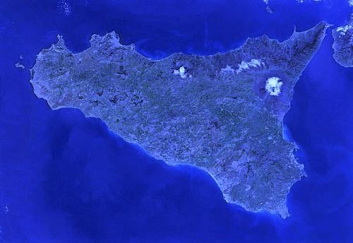 Sicilia da satellite tratta da wikipedia blu