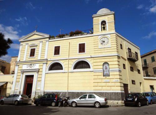 chiesa acquasanta