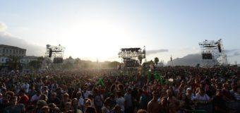 La folla di Palermo dal concerto Radio Italia al Festino, passando per Dolce e Gabbana