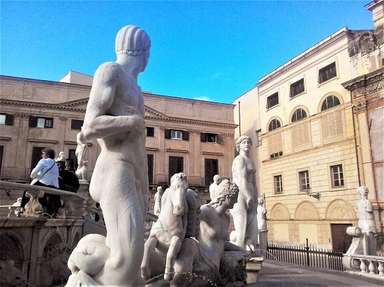 Piazza pretoria luogo sfilata Dolce e Gabbana foto di Gabriele Bonafede M