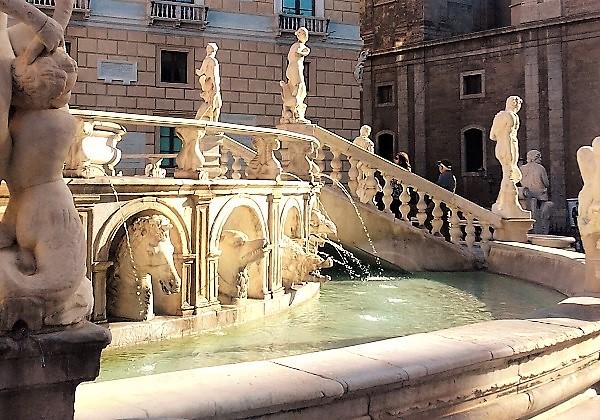 Fontana di Piazza Pretoria acqua M2