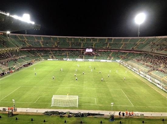 Palermo-Spezia 2-0, calcio d'inizio per la stagione 2017-2018. Contro il Perugia sarà ancora stadio vuoto? Probabile, anche perché si gioca di martedì.