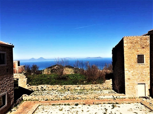 Naso panorama sulle isole Eolie 2 M