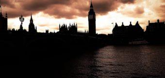 Nel pozzo senza fondo dei costi-Brexit tra falchi e barbagianni