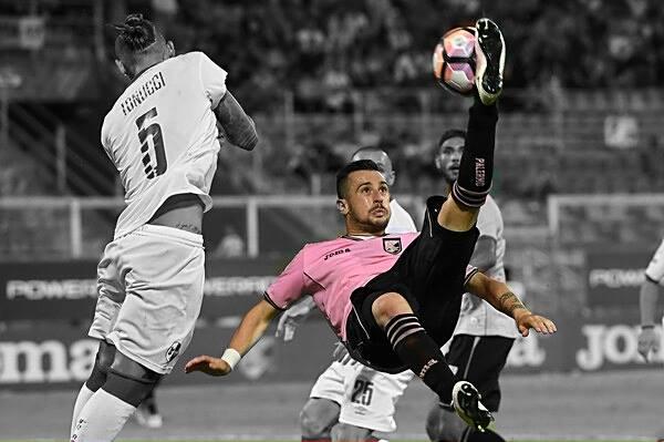 Nestorovski, già 10 gol nella prima parte del torneo, giocando solo 13 partite.