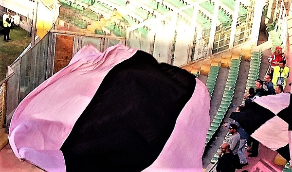 Palermo Entella tifosi rosanero curva sud stadio Barbera foto di Gabriele Bonafede T M