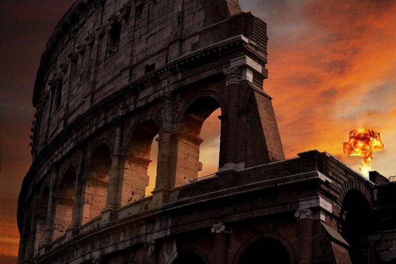 Roma Colosseo foto di Dario Veronesi da Unsplash M con espl nucleare
