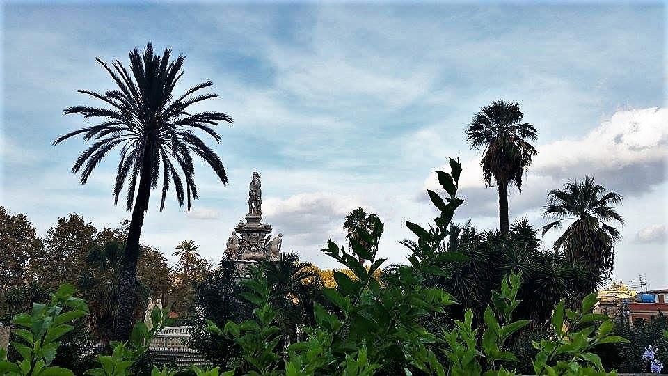 Filippo IV di Spagna nel giardino antistante Palazzo dei Normanni a Palermo, sede dell'Assemblea Regionale Siciiana (ARS)